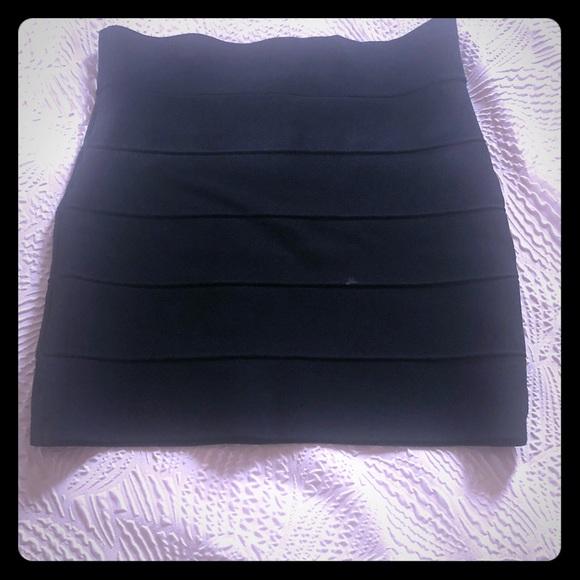 Forever 21 Dresses & Skirts - Black bandage skirt